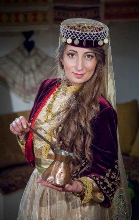 Крымская красавица - болеем за Алесю Мангуби!!!